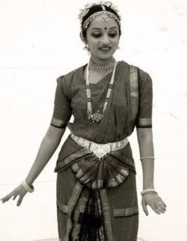 bharatanatyam pose